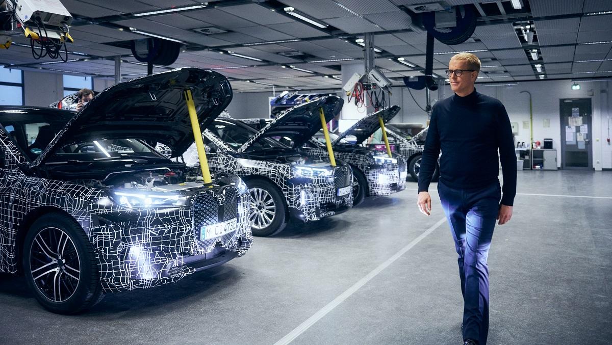 BMW svela il nuovo iDrive thumbnail