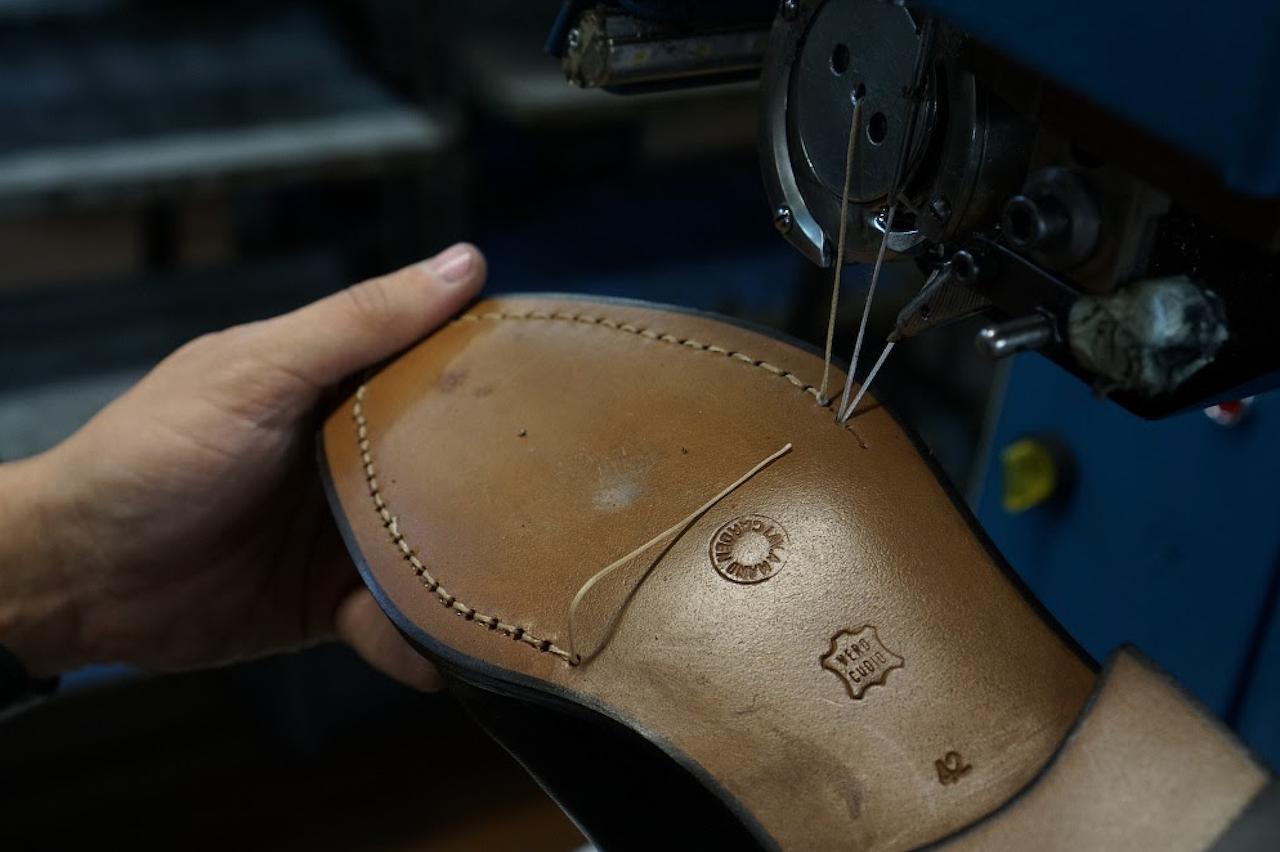 Ballin, la pandemia non ferma i sarti delle scarpe personalizzate thumbnail