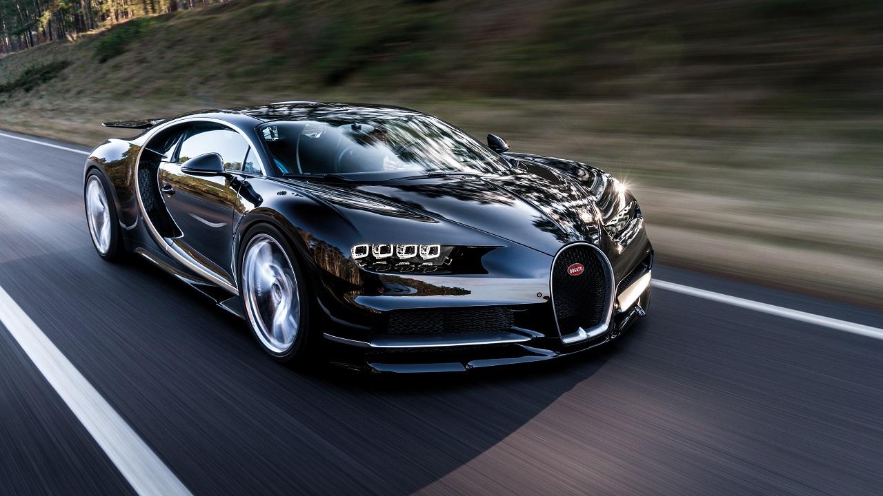 Bugatti passerà sotto il controllo di Porsche, per un futuro elettrico insieme a Rimac thumbnail