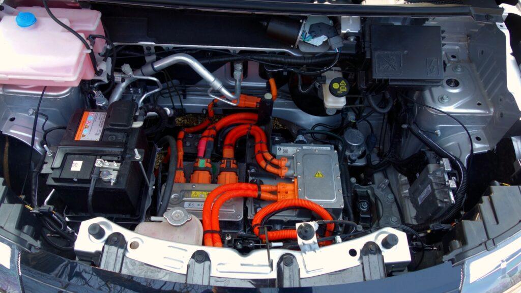 Dacia Spring 2021 vano motore