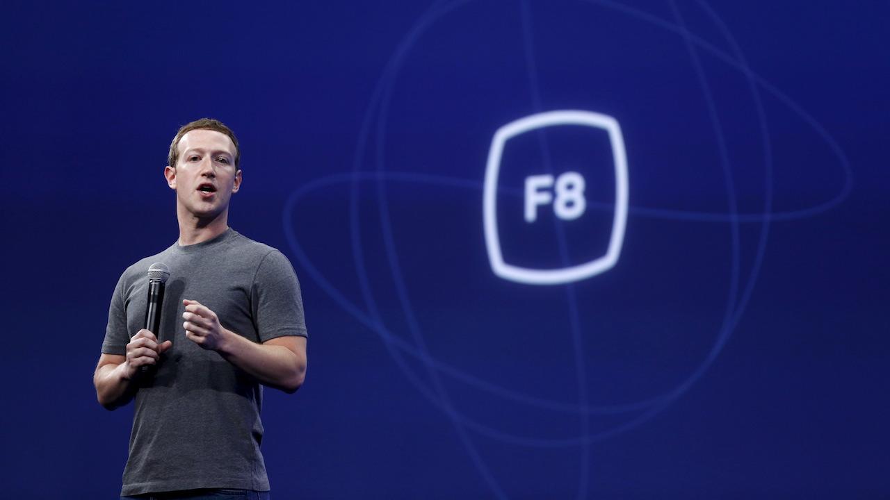 Anche Facebook cede alla pandemia: la conferenza F8 sarà online thumbnail