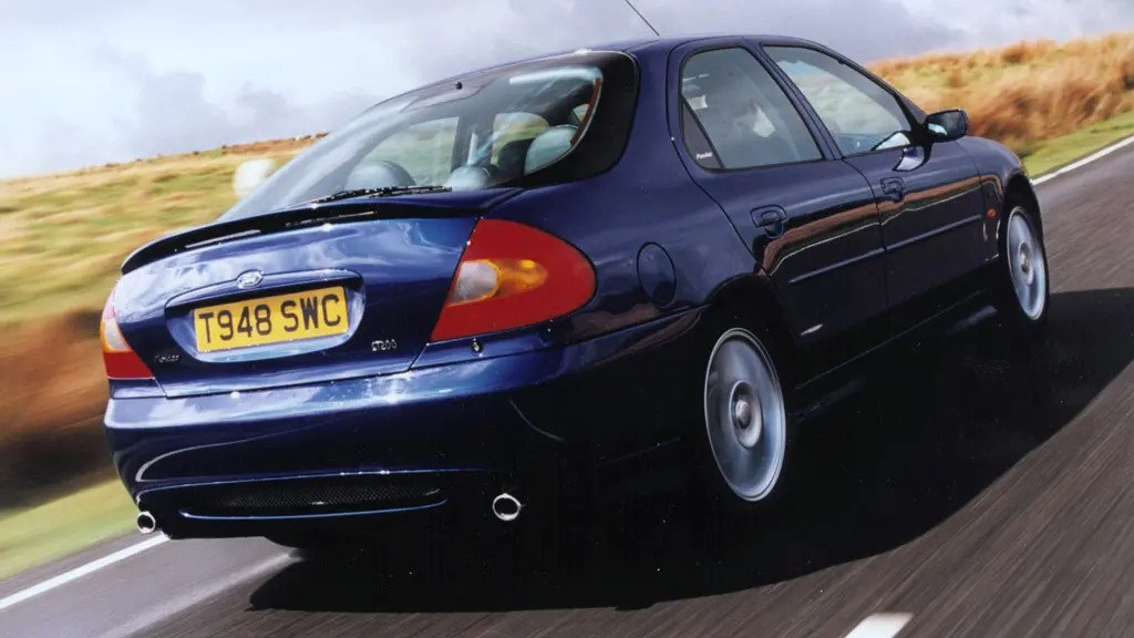 Ford-Mondeo-ST200
