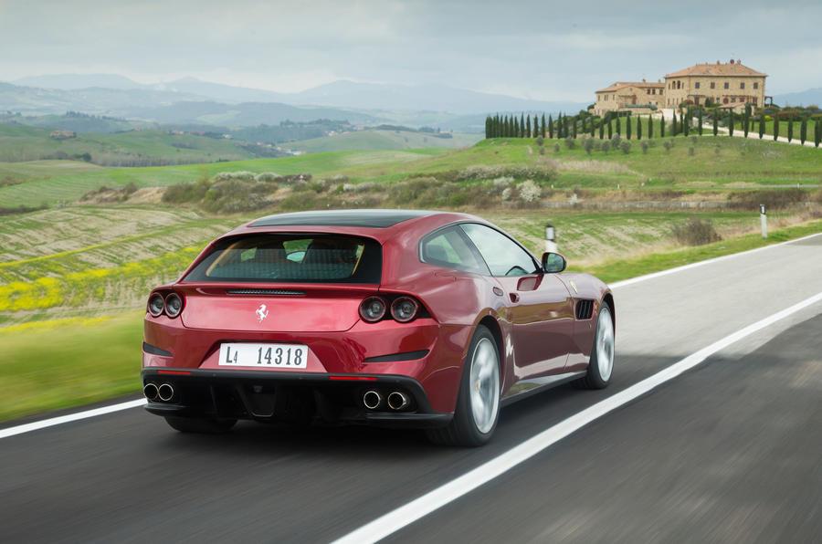 Hot Hatch Ferrari GTC4Lusso