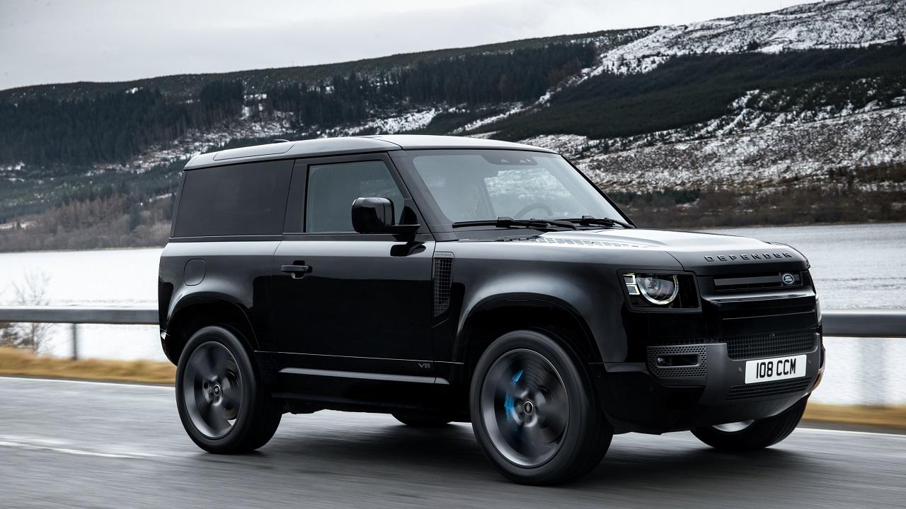 Land Rover svela la nuova Defender V8 thumbnail