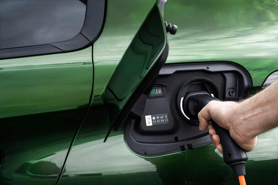 Peugeot 308 2021 ricarica
