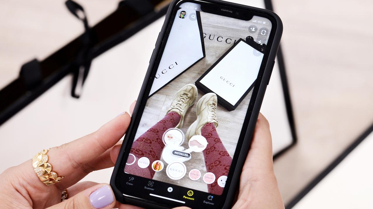 Snapchat permetterà di provare (virtualmente) i vestiti prima di acquistarli thumbnail