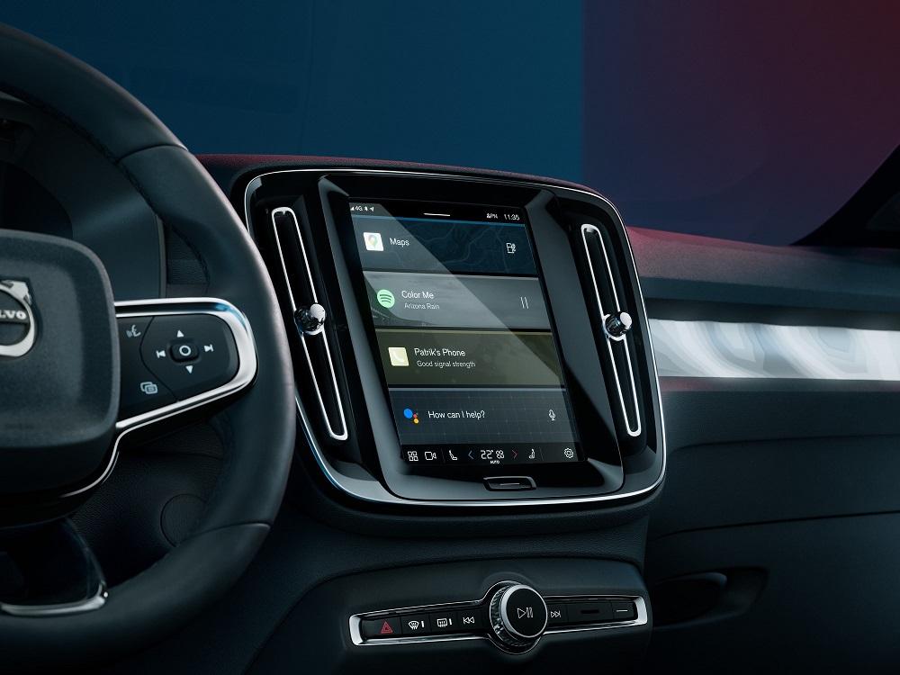 Volvo C40 2021 schermo infotainment
