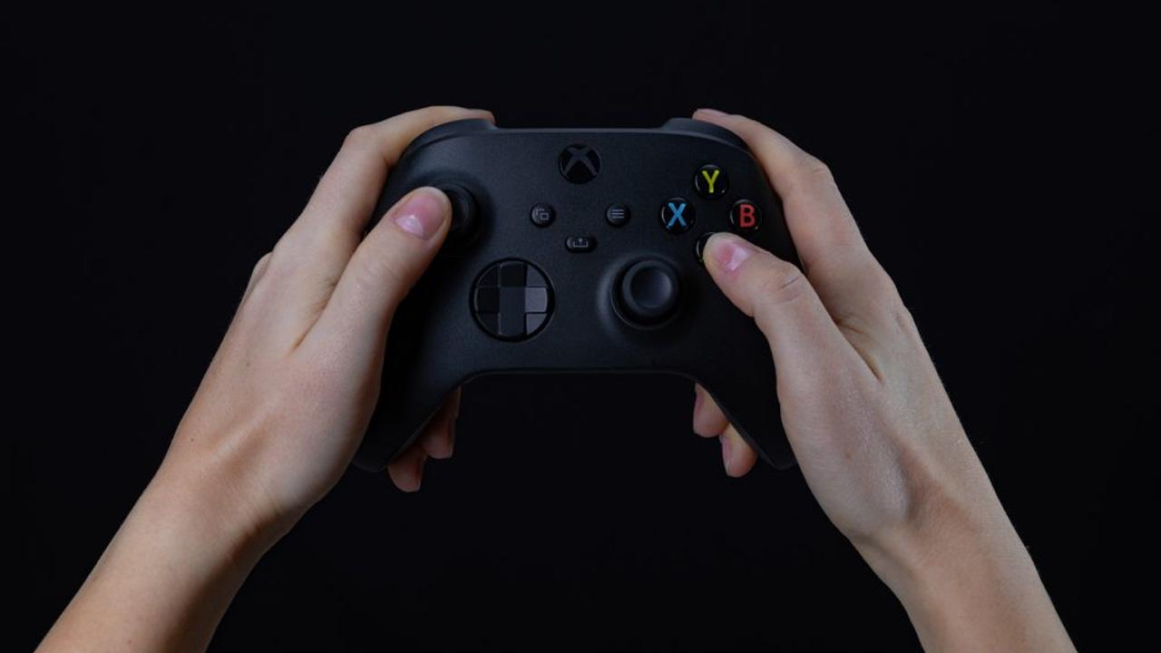 Un nuovo aggiornamento risolve il problema di disconnessione del controller su Xbox Series X thumbnail