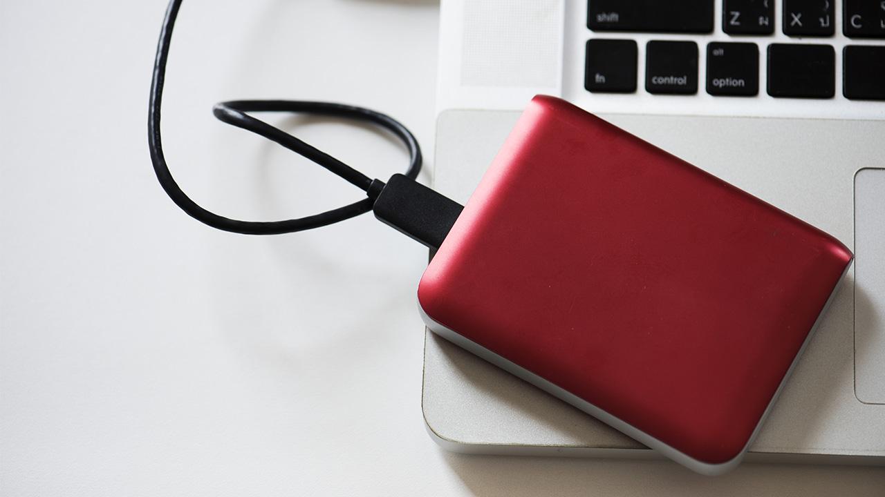 Come fare un backup dei propri dati su PC, Mac, iPhone e dispositivi Android thumbnail