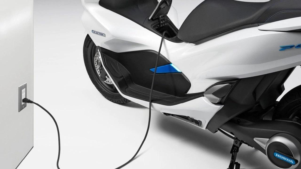 Honda dà il via ad un Consorzio di Batterie Intercambiabili thumbnail