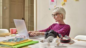 LinkedIn ha realizzato una ricerca su donne e lavoro  La pandemia ha avuto un effetto negativo sulla retribuzione delle lavoratrici