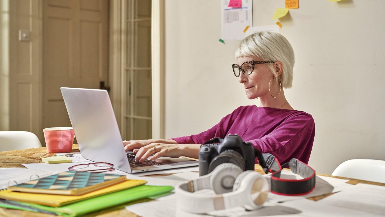 LinkedIn ha realizzato una ricerca su donne e lavoro thumbnail