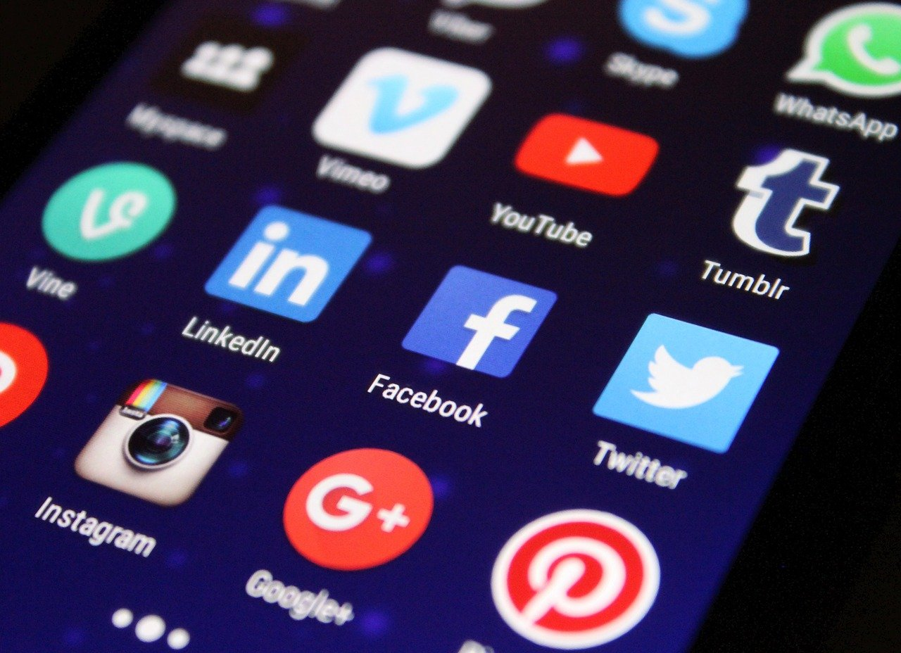 Come i social media creano le camere d'eco thumbnail