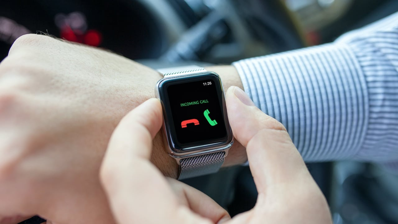 Il futuro è degli smartwatch o degli orologi tradizionali? thumbnail