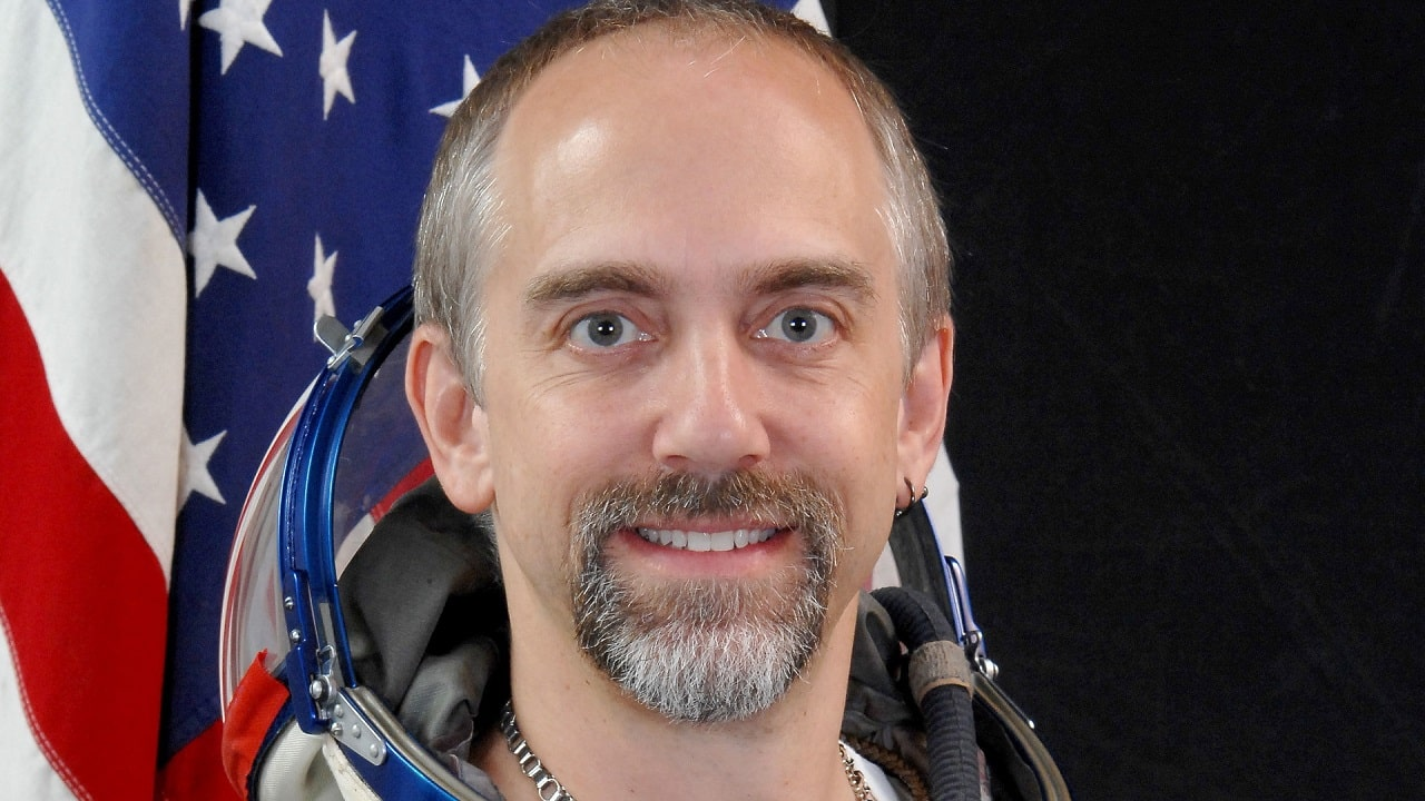 Richard Garriott ha toccato il fondo dell'oceano thumbnail