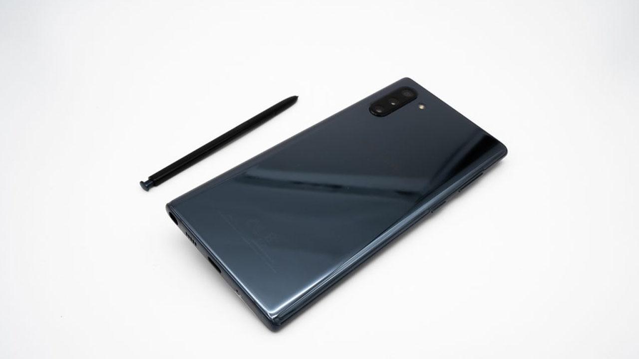 Samsung rilascia la patch di sicurezza di aprile per Galaxy Note 10 thumbnail