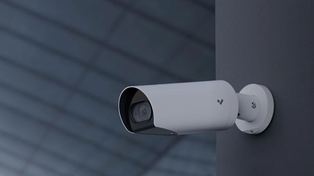 Un gruppo hacker ha violato più di 150.000 telecamere di sorveglianza della startup Verkada thumbnail