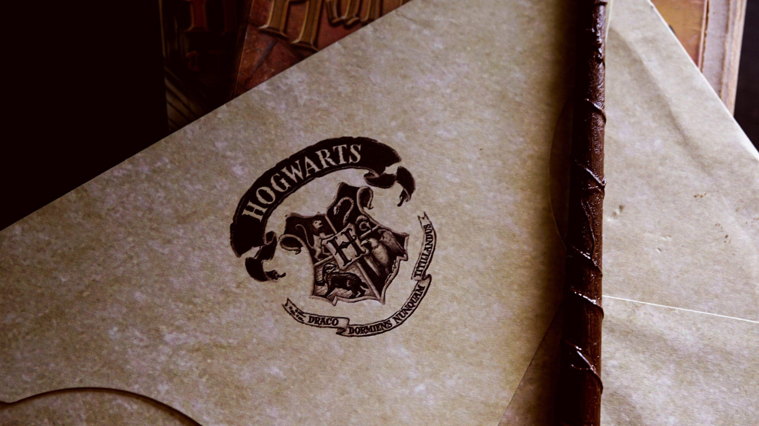 10 gadget che faranno innamorare i fan di Harry Potter thumbnail