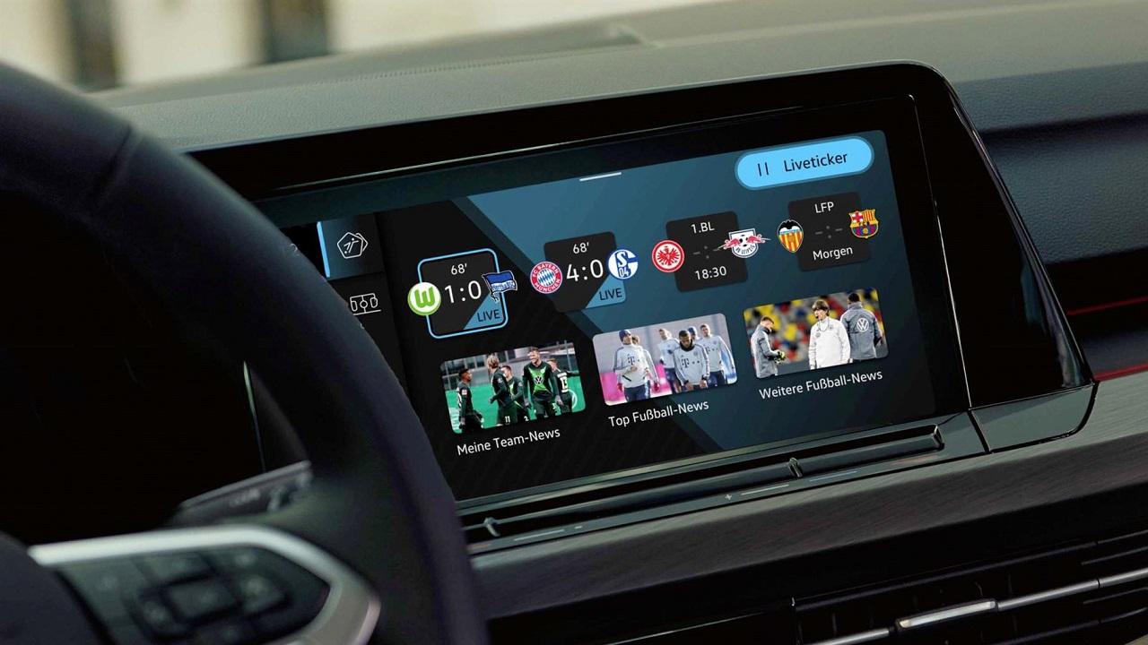 Volkswagen Golf 8: arriva la nuova app We Score thumbnail