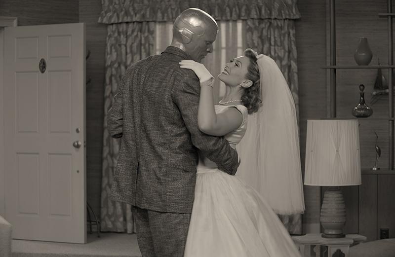 Paul Bettany ed Elizabeth Olsen in WandaVision matrimonio