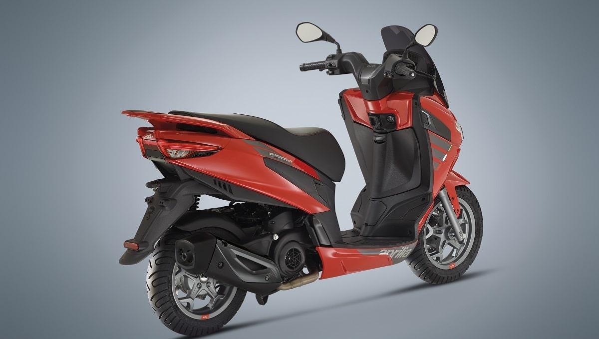 Aprilia SXR 50: sportività e tecnologia per il nuovo scooter thumbnail