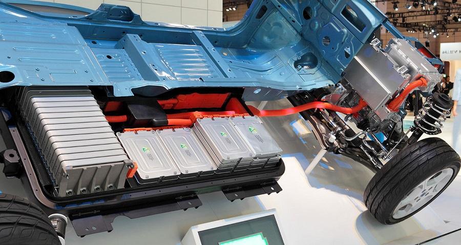 Batterie auto elettriche spaccato