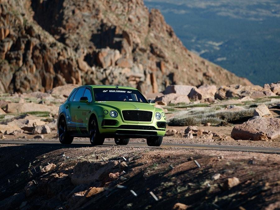 Bentley-Continental-GT3-Bentayga