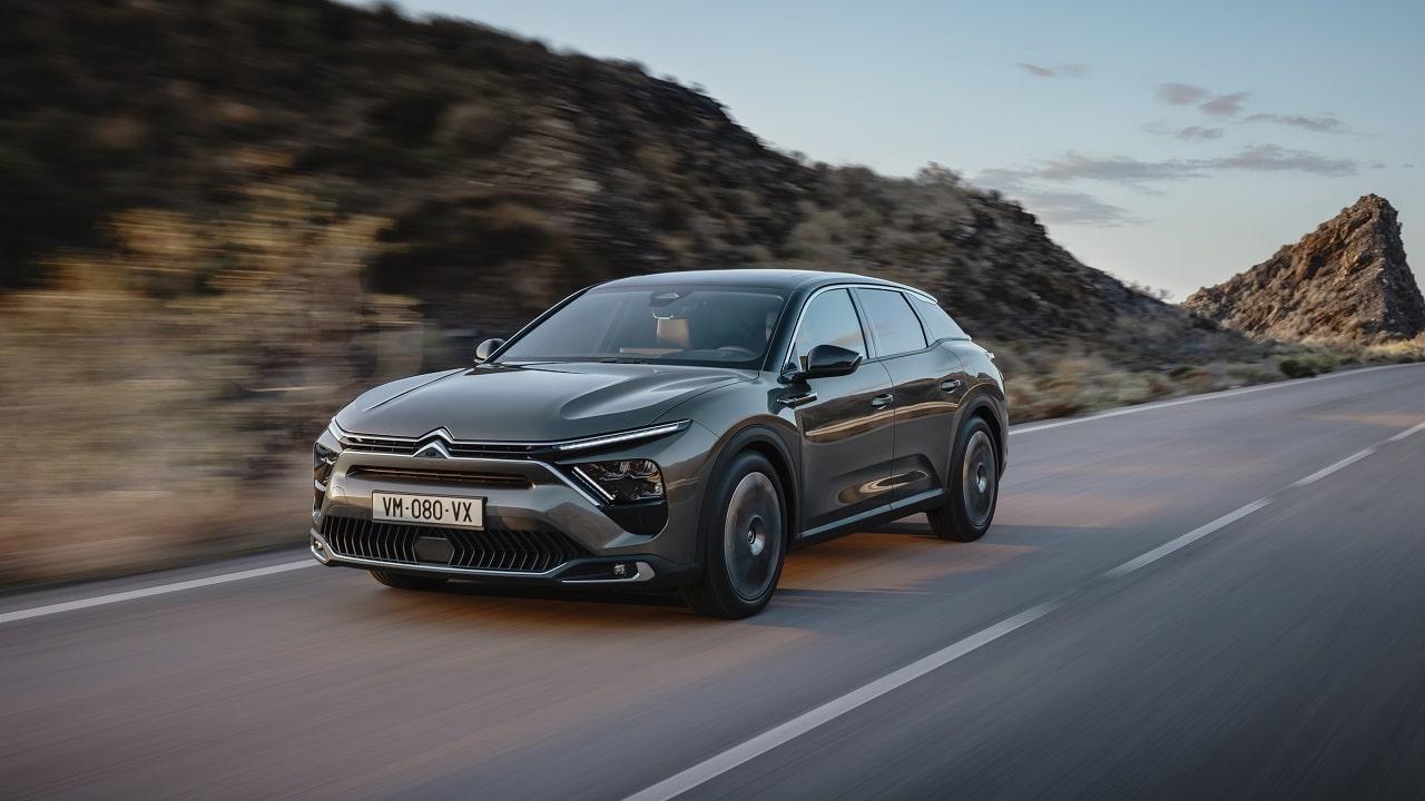 Citroën C5 X, con lei il Double Chevron è tornato se stesso: linee audaci, confort e anticonformismo thumbnail