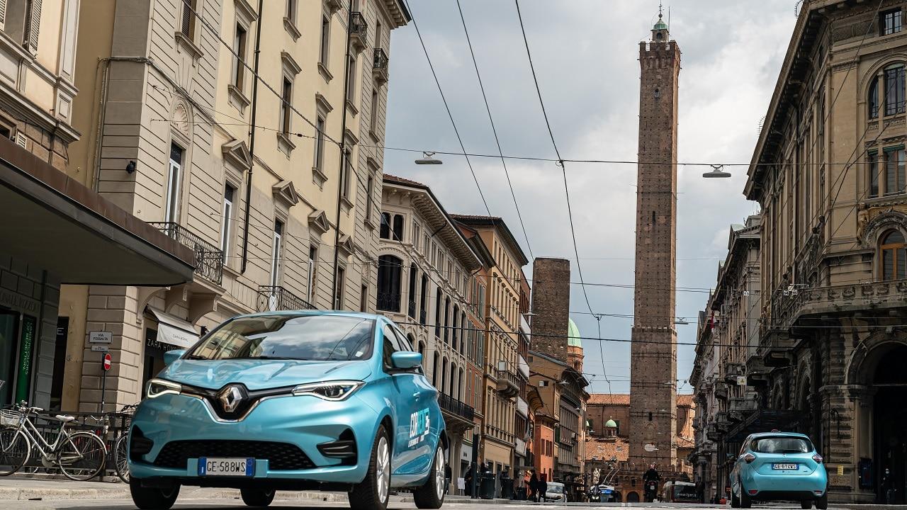 Arrivano le nuove Renault Zoe per il car sharing emiliano Corrente: 335 auto per la mobilità condivisa e sostenibile thumbnail