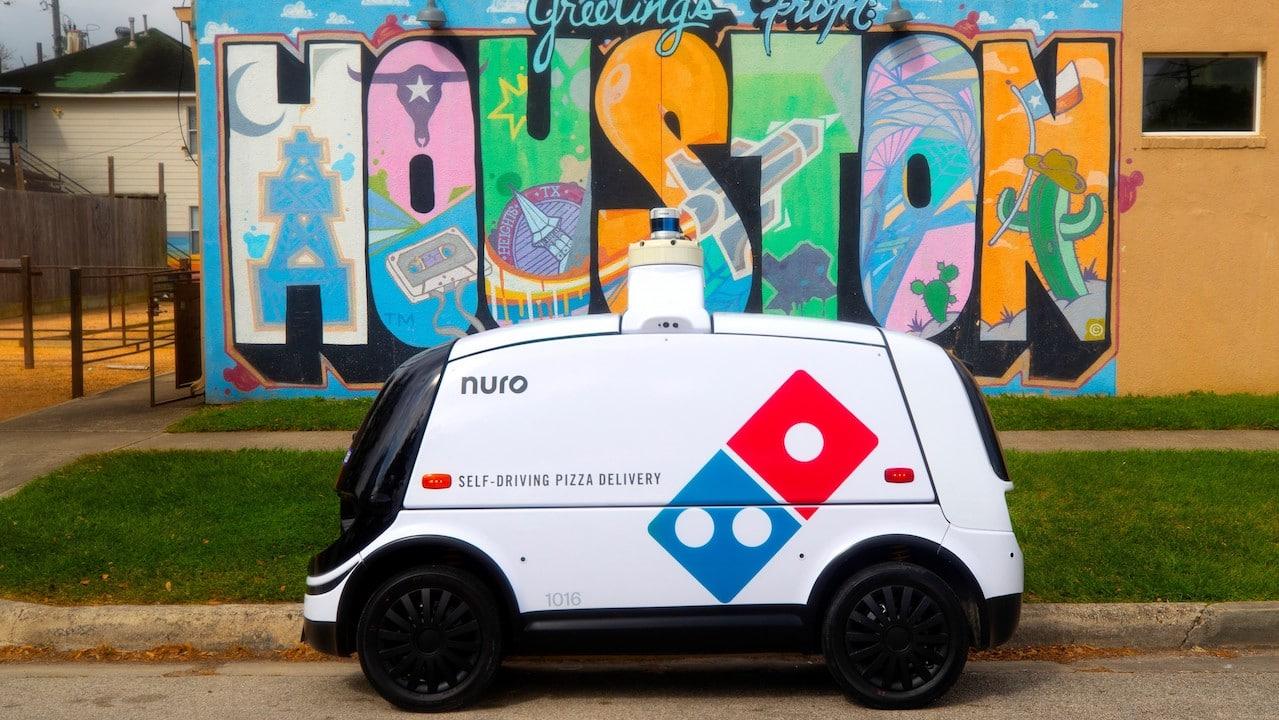 Ora è un robot a consegnare la pizza di Domino's thumbnail