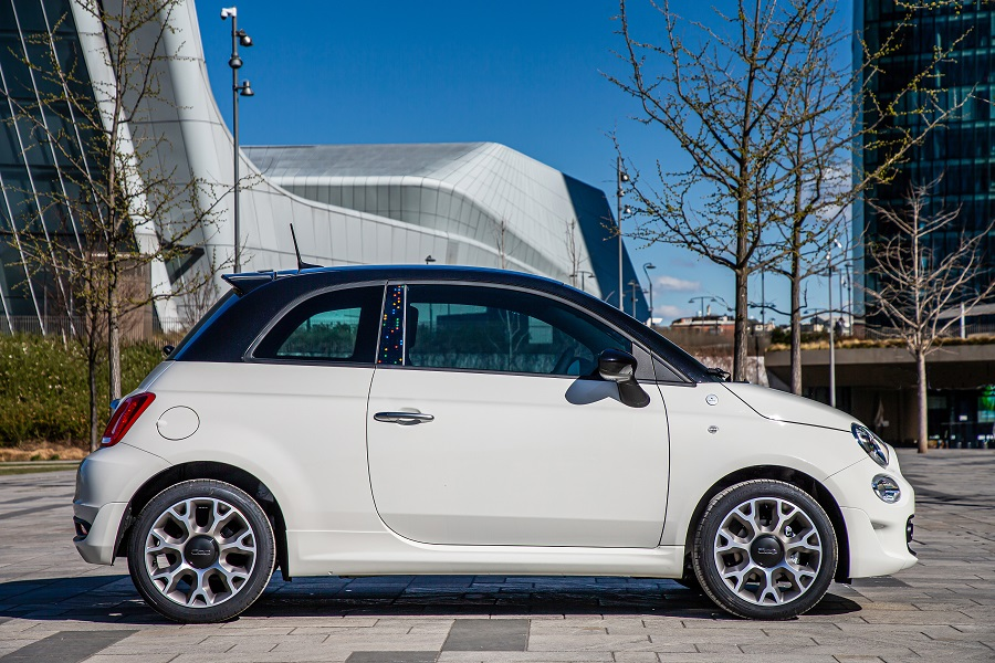 FIAT 500 Hey Google Laterale
