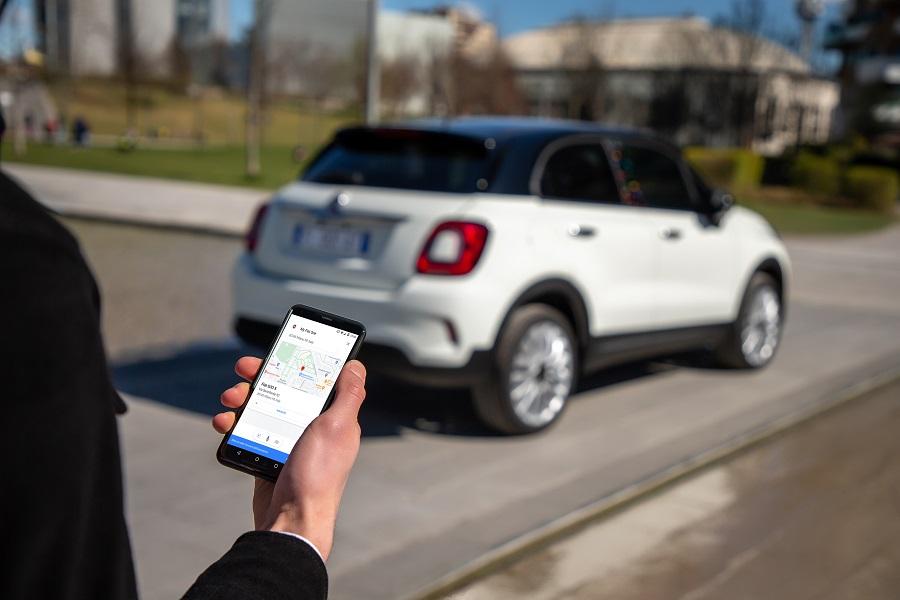 FIAT 500 Hey Google app smartphone