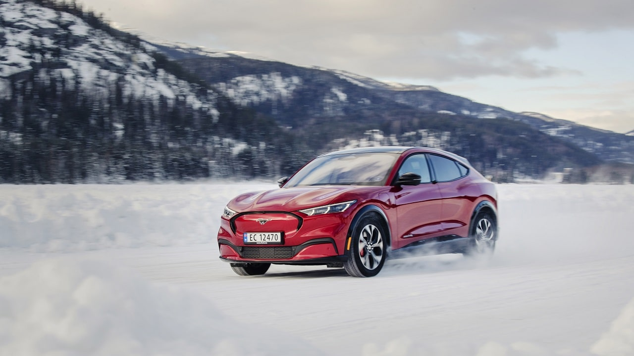 Ford Ion Park, il nuovo centro di ricerca e sviluppo sulle batterie delle auto elettriche thumbnail
