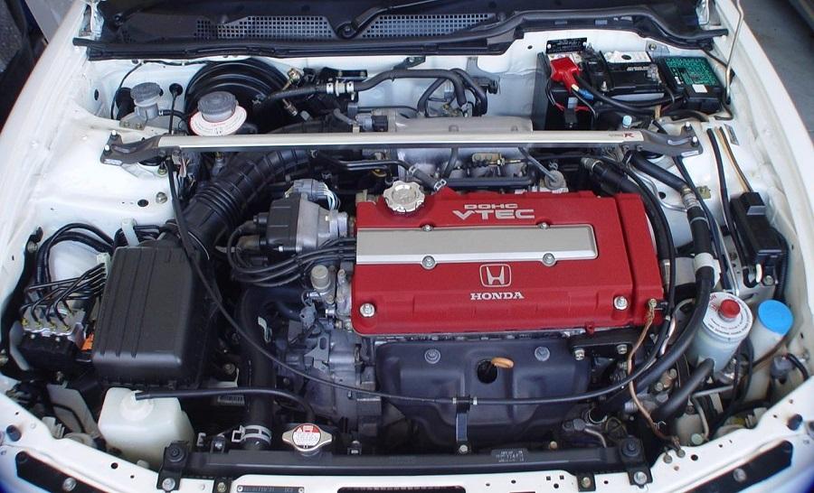 Hot Hatch anni '90 Honda Integra Type R motore VTEC
