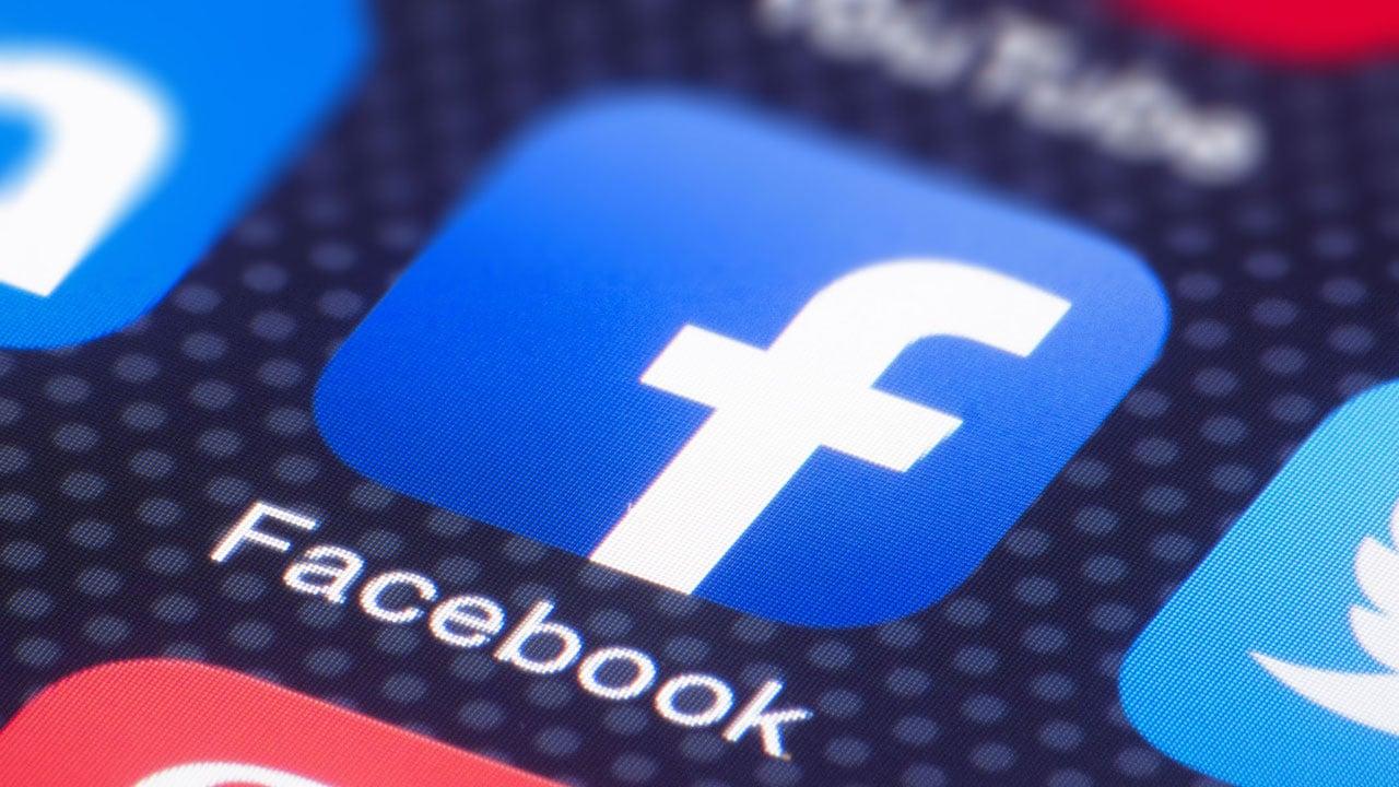 Zuckerberg testa le Live Audio Rooms di Facebook thumbnail