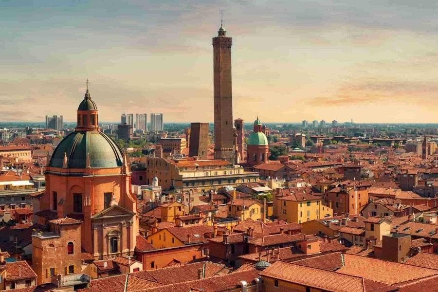 vista dall'alto di Bologna