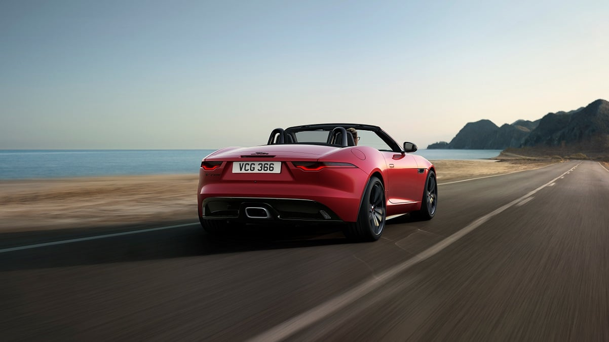 La nuova Jaguar F-TYPE R-Dynamic Black è ordinabile thumbnail