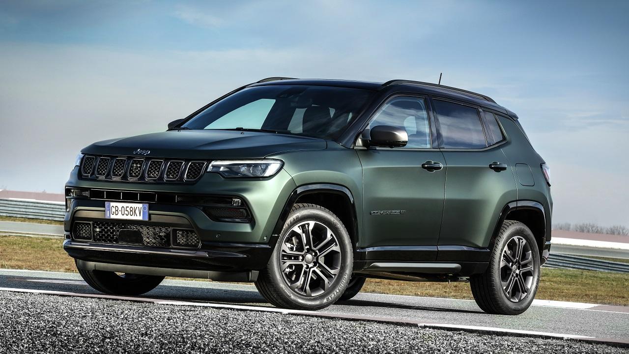 Ecco la rinnovata Jeep Compass: interni totalmente nuovi e tanta tecnologia per il C-SUV più venduto d'Italia thumbnail