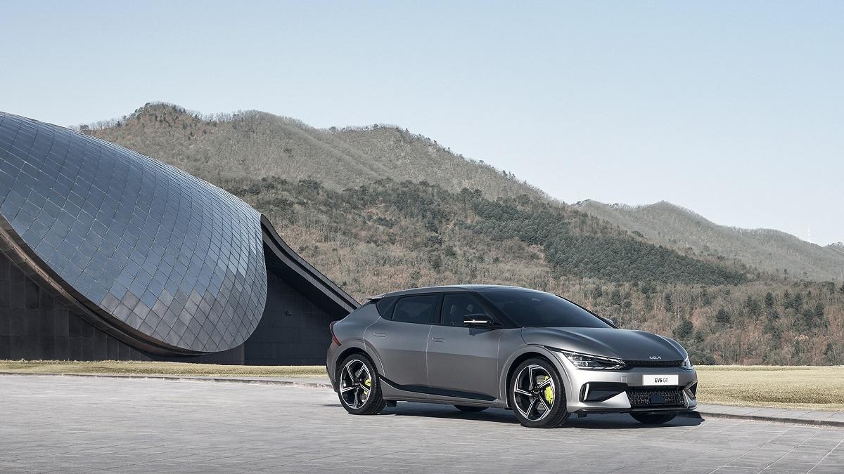 Kia EV6: il nuovo crossover anticipa il futuro elettrico del brand thumbnail
