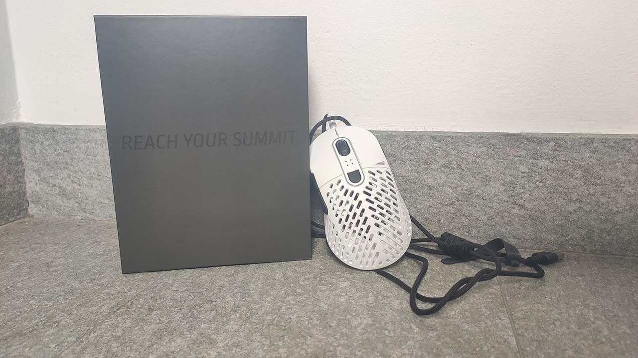 La recensione di Makalu 67: c'è un nuovo mouse ultraleggero sul mercato thumbnail