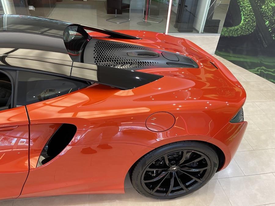 McLaren Artura motore