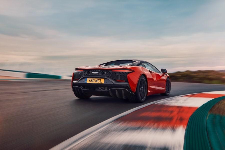 McLaren Artura pista