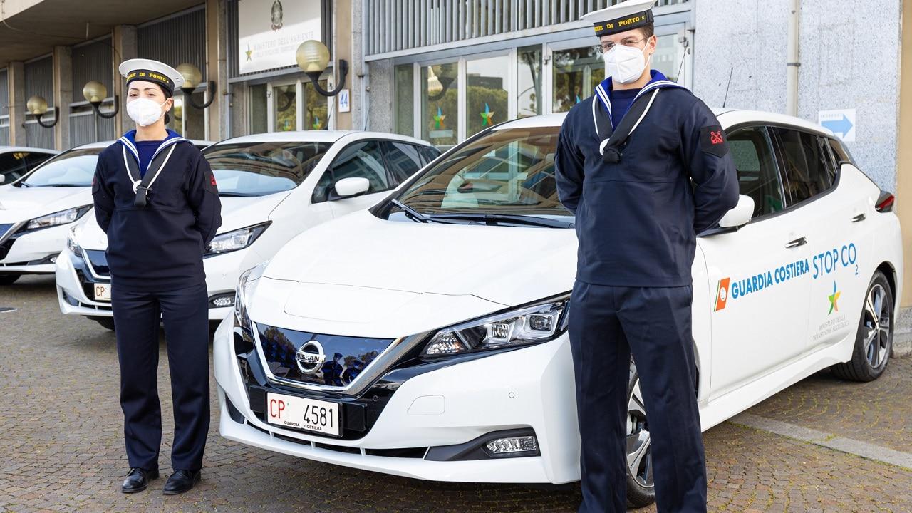 Nissan Leaf si arruola nella Capitaneria Di Porto: 50 Leaf a zero emissioni per la Guardia Costiera thumbnail