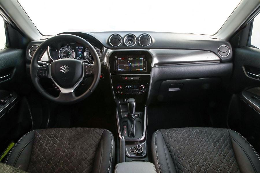 Suzuki Vitara Hybrid interni