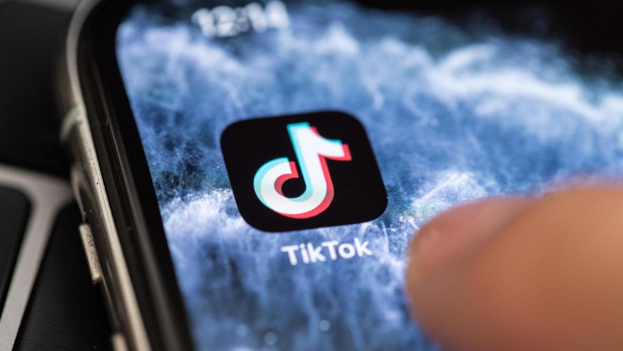 TikTok annuncia nuovi strumenti per combattere il bullismo thumbnail