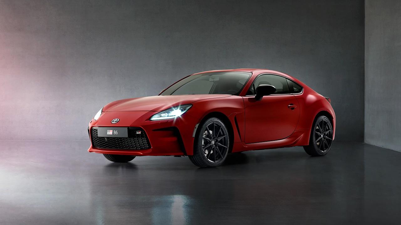 """Toyota GR86, la coupè """"posteriore"""" cambia nome e guadagna in potenza, cilindrata e tecnologia. Ma arriverà in Europa? thumbnail"""