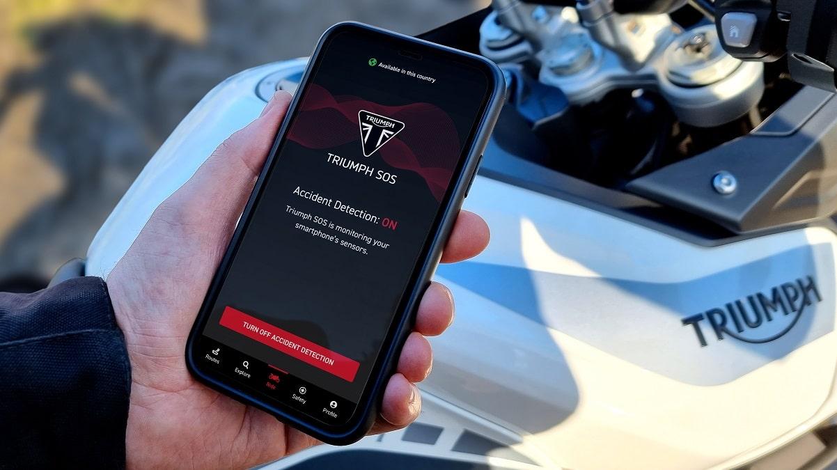 Triumph SOS è il nuovo sistema di emergenza via smartphone per la moto thumbnail