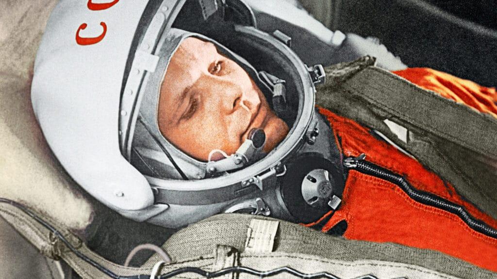 Yuri Gagarin spazio foto colori