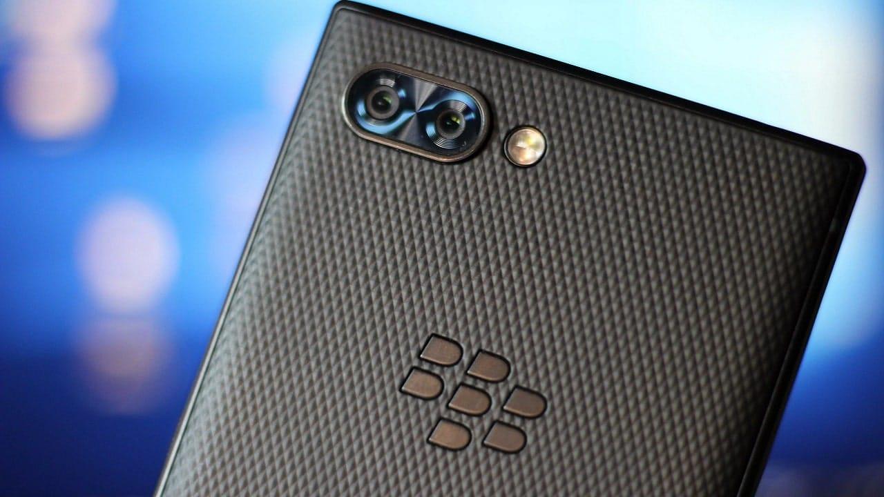 Il ritorno di BlackBerry: smartphone 5G ma con la tastiera thumbnail