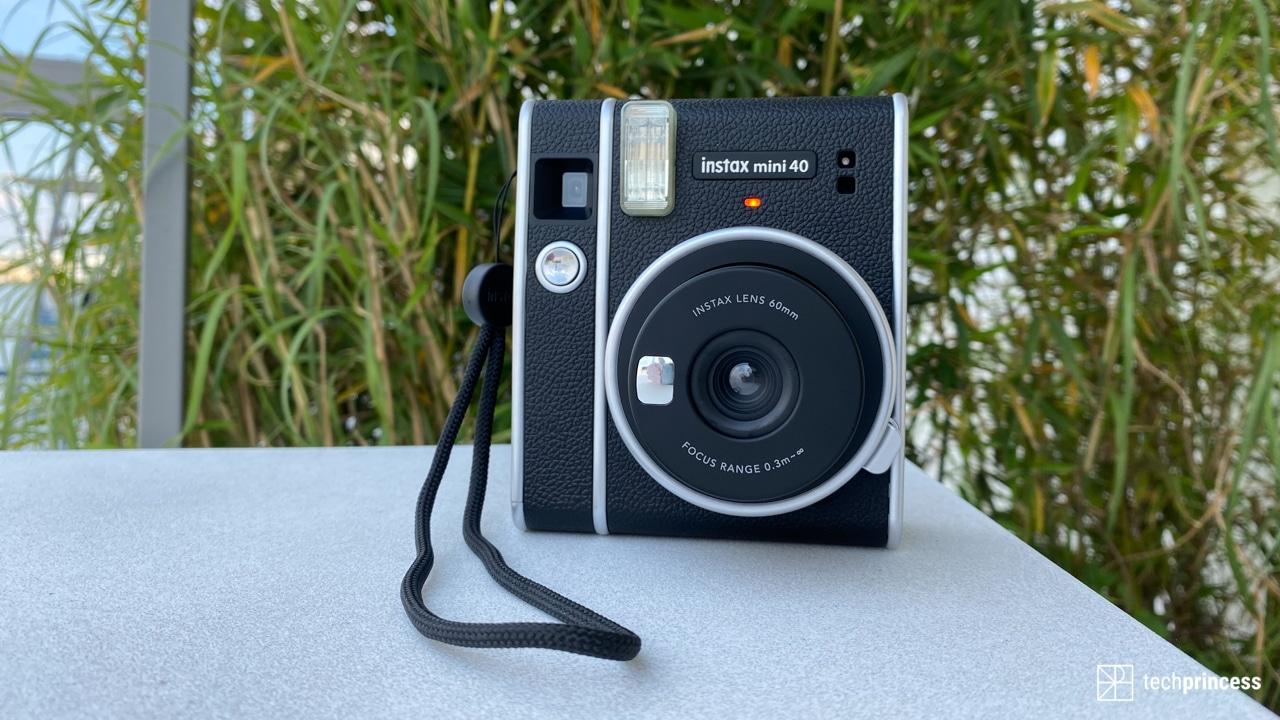 Recensione instax mini 40: la nuova istantanea di Fujifilm thumbnail